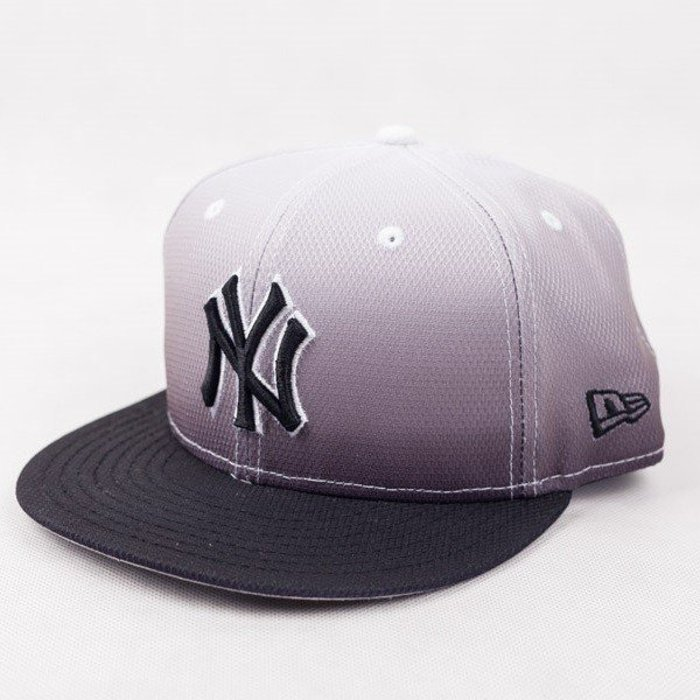 Czapka New Era NY Yankees Diamond Graduation Black/White